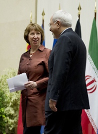 Discussion between Catherine Ashton and Iranian Foreign Minister Mohammed Javad Zarif  ©Flickr - EEAS