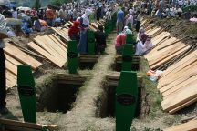 640px-Graves_srebrenica_bosnia_and_herzegovina